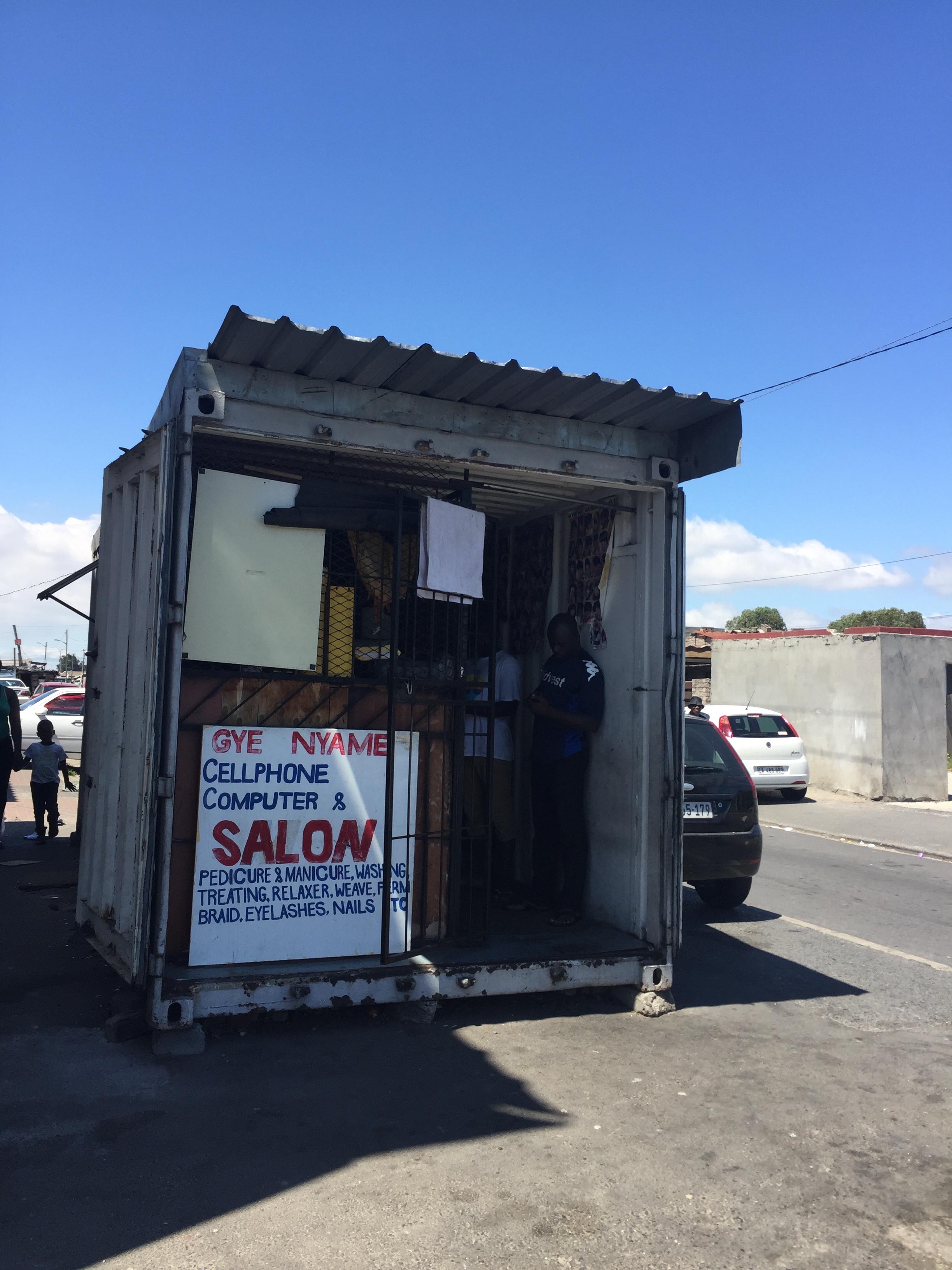 Hairdresser + Repair container